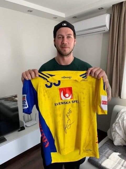 Andreas Nilssons signerade matchtröja från Landslaget